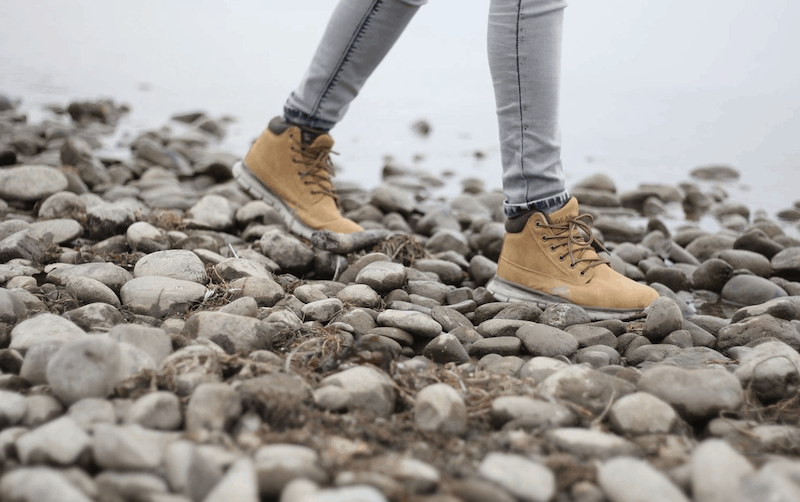 how to stretch the toe box of hiking boots